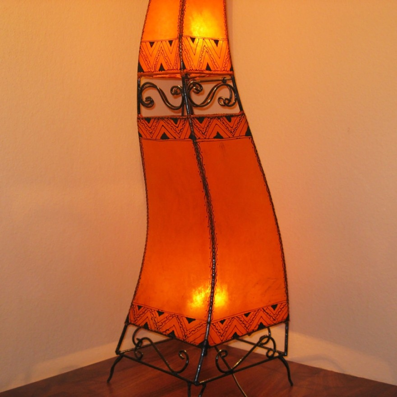 stehleuchte aus marokko cheval h160cm orange. Black Bedroom Furniture Sets. Home Design Ideas
