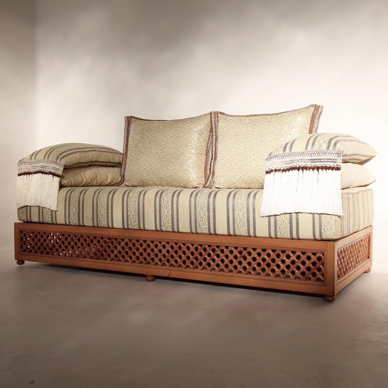 orientalische marokkanische couch aus massivholz farha. Black Bedroom Furniture Sets. Home Design Ideas