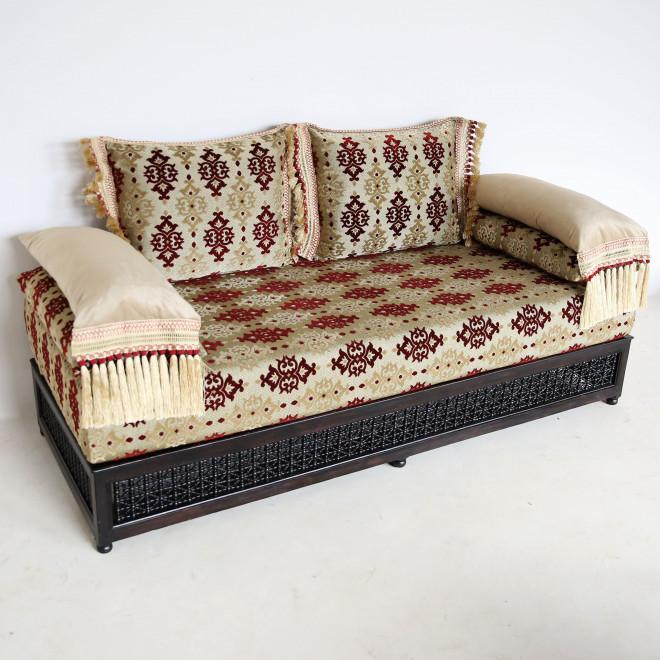 arabische orientalische couch aus marokko. Black Bedroom Furniture Sets. Home Design Ideas